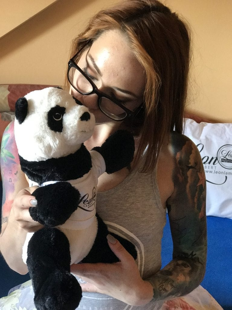 Sandra and Leon´s Panda.. A charming and peaceful love story..