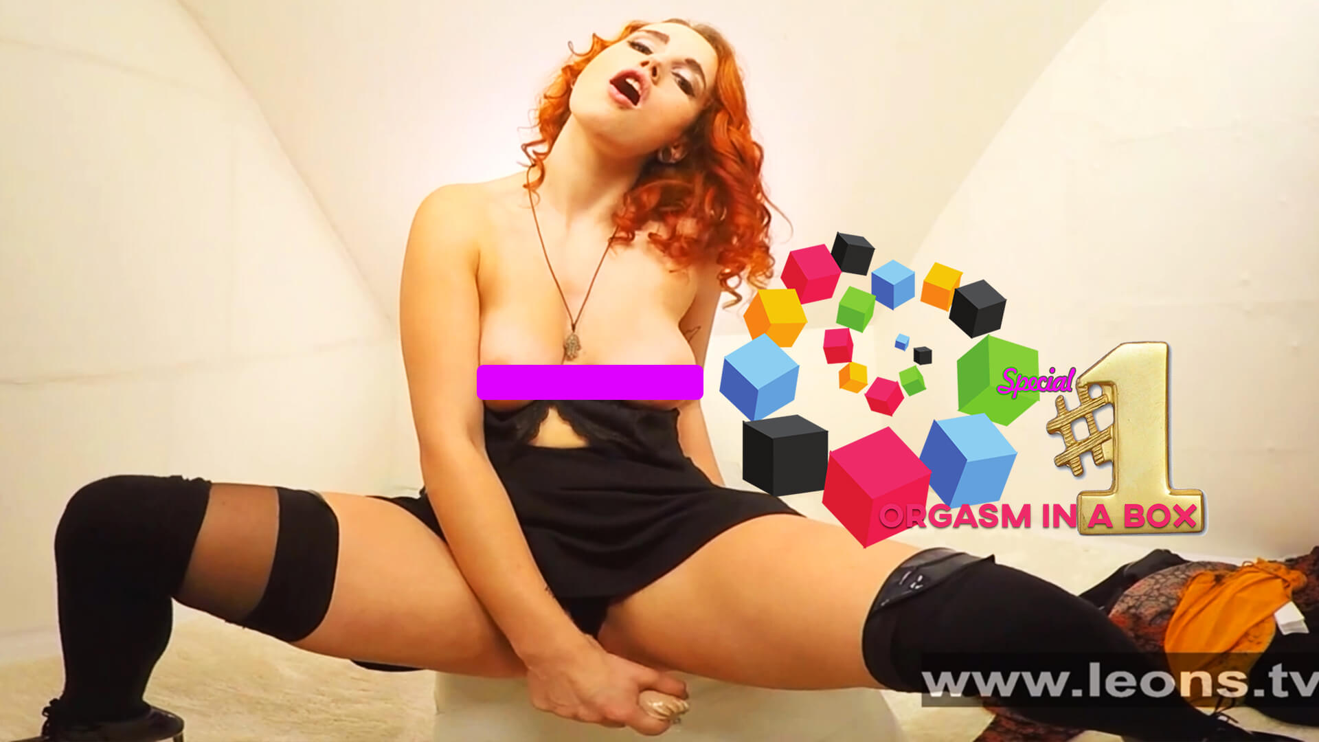 Anabelle – Fire in the Hole: Orgasm in a Box Special for LEONS